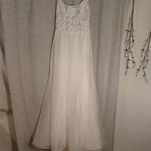 Nouvelle Winslow wedding dress - size 8